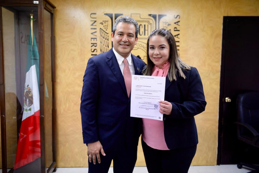 Entrega del Nombramiento a la Secretaria General de la Universidad Autónoma de Chiapas, la Dra. María Eugenia Culebro Mandujano